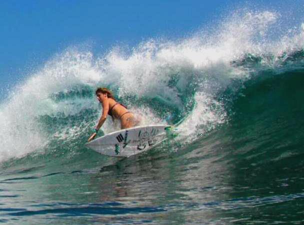 womens surfing