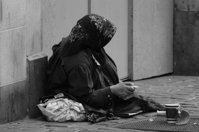 begging-1683496_1280