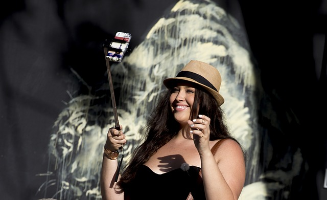 selfie-stick-827879_640.jpg